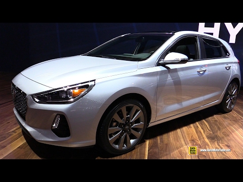 2018 Hyundai Elantra GT Exterior and Interior Walkaround Debut at 2017 Chicago Auto Show