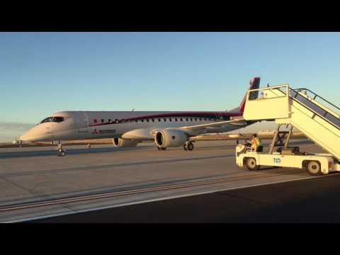 Mitsubishi MRJ90 arrival at Moses Lake