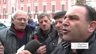 Bari, lavoratori del ferro vecchio contro Decaro: