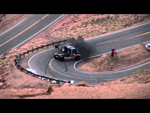Semi Truck Slides a 180 Degree Spin and Slam to 2 Point Turn Around