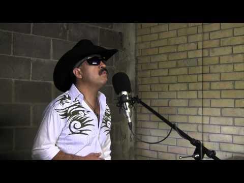 Mike Torrez sings J Perez Karaoke