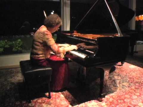 Juana Zayas plays Schumann's Carnaval, Op. 9 (17 - 19)