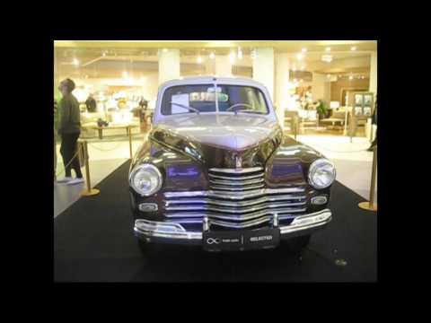 Выставка Ретро-Автомобилей в ТЦ   Метрополис Москва , старые  автомобили.