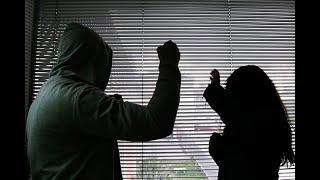 Mujer agredida por su esposo se lanzó de tercer piso para salvarse | Noticias Caracol