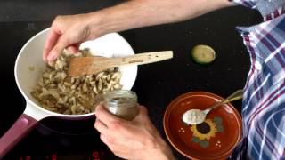 Курица с грибами в сметане - рецепт