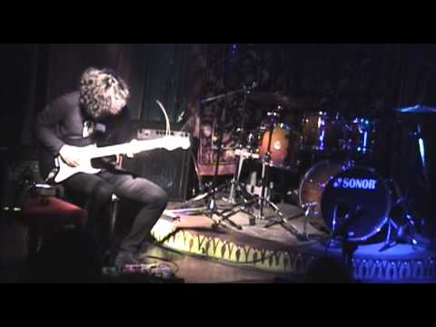 """Pain - """"Nobody Home"""" (PINK FLOYD cover)"""