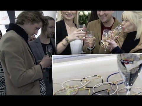 Gwiazdy piją drinki Martini na imprezie Zozo Design