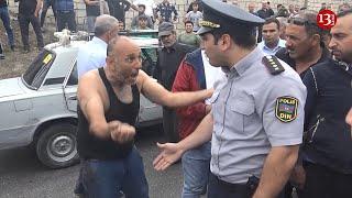 """Qazilərin """"üsyanı"""":""""Erməni 5 güllə vurdu, ölmədim, bunlar öldürür bizi""""-Polis qarşıdurmaya qarışmadı"""