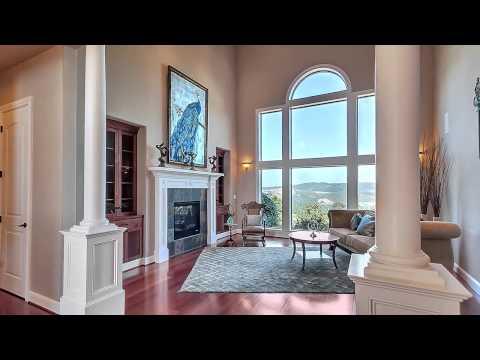 Parrett Mountain View Estate with Sport Court & Views!