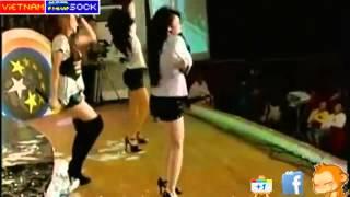 Clip Sock Ngân Khánh hát nhép   YouTube