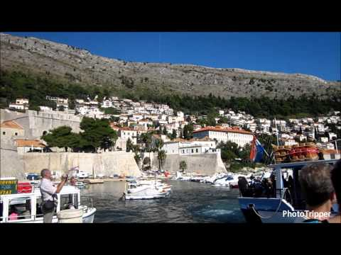 360 degree view of the Dubrovnik old town harbor in Croatia [HD]