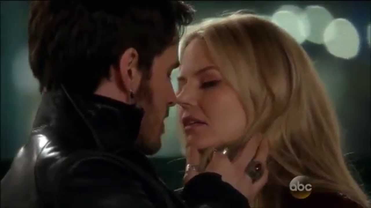 Once Upon A Time Captain Hook And Emma Kiss Gif Captain Swan Kiss 3x22 - CS