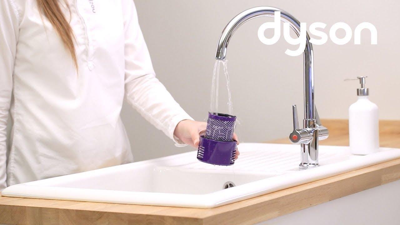 aspirateurs sans fil dyson cyclone v10 nettoyage du filtre fr youtube. Black Bedroom Furniture Sets. Home Design Ideas