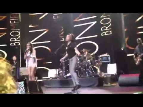 Amy Winehouse Last Performance iTunes Festival Dionne Bromfield Mama Said
