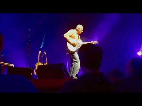 Tommy Emmanuel - Classical Gas with Beatles Medley 2017