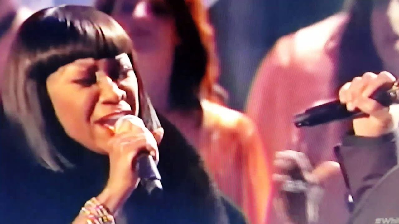 Patti LaBelle and John Legend Christmas Duet - YouTube
