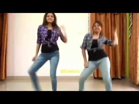 Indian two sister dancing   Kala Chashma