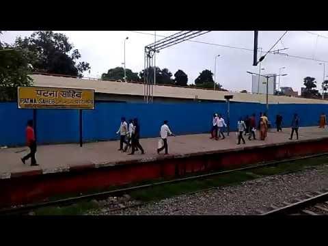 TRAIN RUNNING SHOT OF INDIAN HOLY CITY PATNA SAHIB RAILWAY STATION