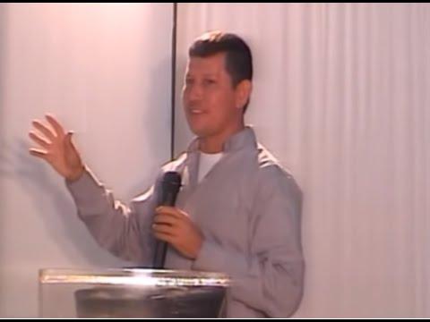 La Santa Eucaristía Parte 6-7 (PADRE LUIS TORO) HD