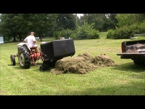 Harvesting And Using Grass Clippings As Mulch To Conserve Water In The Garden