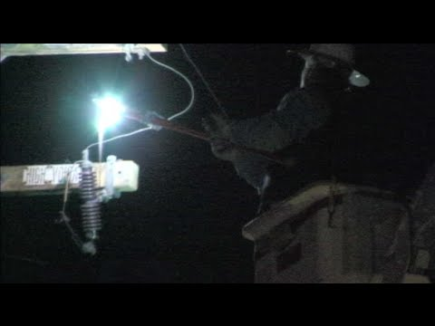 Utility Worker Cuts Live High Voltage Power Line To Stop Electrical Fire In Modesto, California