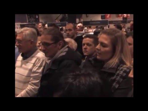Tomasz Lis zmasakrowany przez piękną Polkę !!