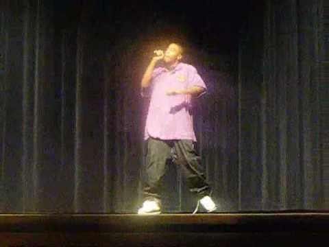 Pierce Elliott Performs at Warren Township High School