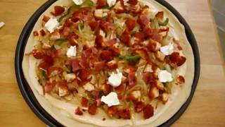 How To Make A Homemade Jalapeno Pizza In 6 Minutes