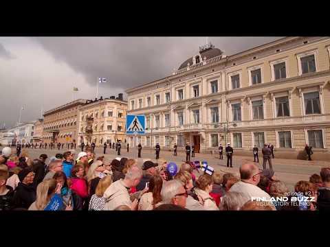 Kuninkaalliset kulkevat Helsingin kadulla 1.6.2017 Scandinavian Royals Walk on Helsinki Street