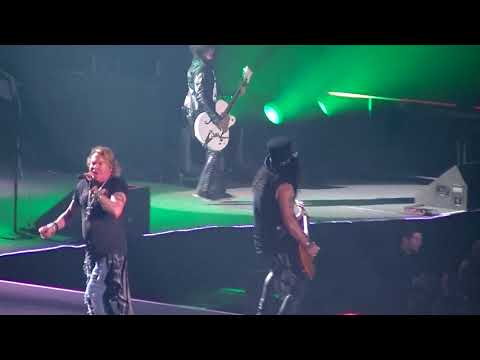 "GUNS N' ROSES - WELCOME TO THE JUNGLE- ""LIVE"" THE FORUM L.A 11-25-2017"