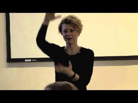 Underfashion Club Frances Cole Jones - The WOW Factor
