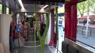 トラム車内の様子と車窓(トゥールの最新式トラム)