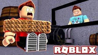 ESCAPE THE EVIL YOUTUBE OBBY IN ROBLOX! (Roblox Adventures RedHatter)