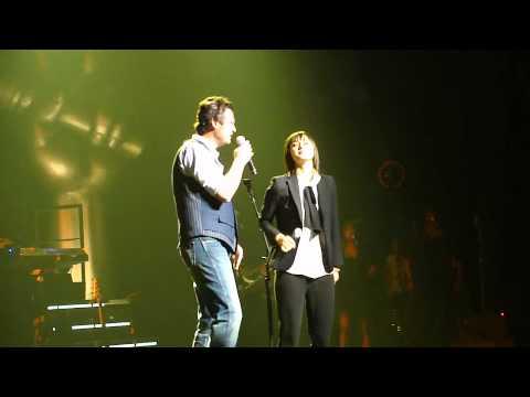 "Dia Frampton and Blake Shelton - ""I Won't Back Down"" (Live in Los Angeles 7-27-11)"
