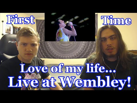 """College Students' FIRST TIME Hearing """"Love of my life"""" Live at Wembley 