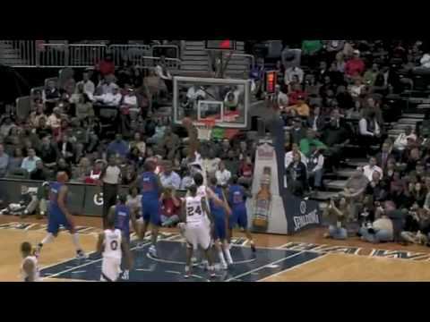 Zaza Pachulia behind the back assist to Joe Smith dunk vs Detroit Pistons