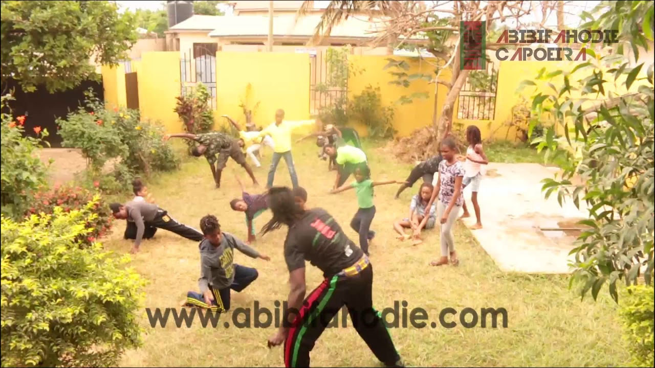 Abibifahodie Asako (Afrikan Combat Capoeira) Dodge ball (for children)