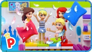 ♥ LEGO Disney Princess SLEEPOVER with Ouija Board at Elsa's Home