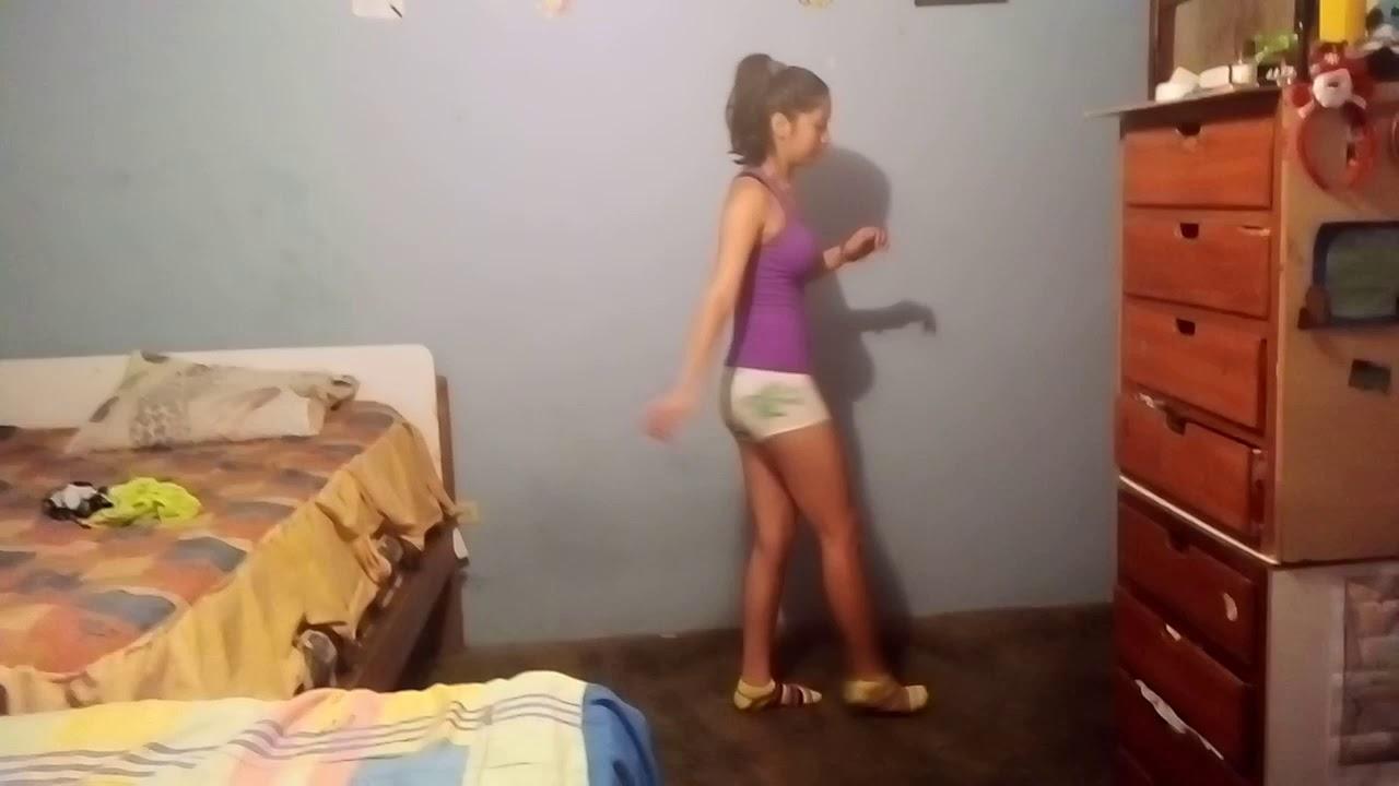 Bailando con mi prima - YouTube