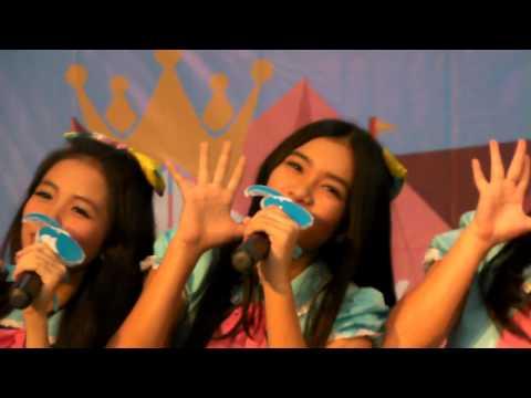 [Fancam] Teenebelle - Tersenyumlah (#HKFest2015)