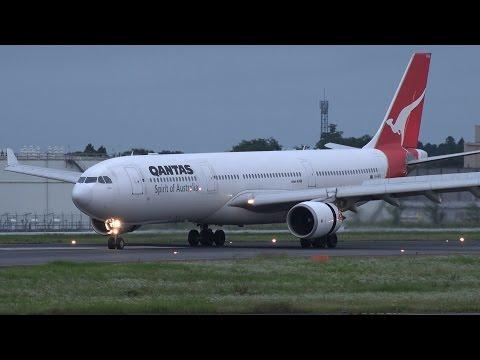 Qantas Airways Airbus A330-300 VH-QPH Landing at NRT 34R