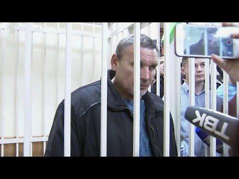 В Красноярском крае суд арестовал начальника участка золотодобывающей компании.