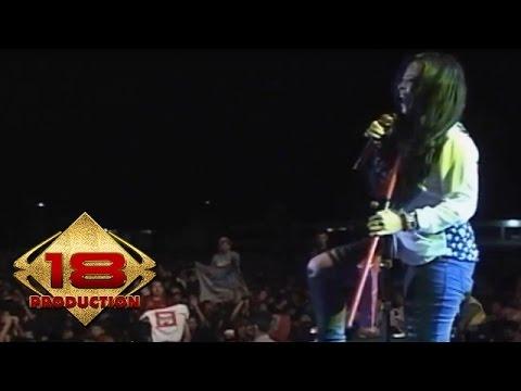 Kotak - Rock Never Dies   (Live Konser Cirebon 14 November 2013)