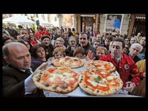 Как делают Пиццу в Италии Pizza Napoletana Итальянская пицца Come fare la pizza napoletana