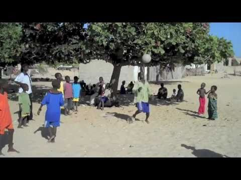 Senegal Layover, Part One  (an Ask The Pilot video from Patrick Smith)