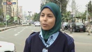 مصريات يخضن مجال تنظيم المرور