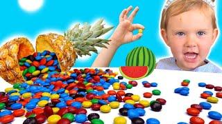 Полина делает фруктовые конфетки   История про вредные сладости