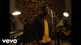 Lighthouse Family - The Streetlights And The Rain (Acoustic Performance)