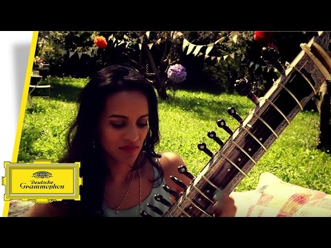 """Norah Jones about being in the studio with Anoushka Shankar for """"Traces of You"""""""
