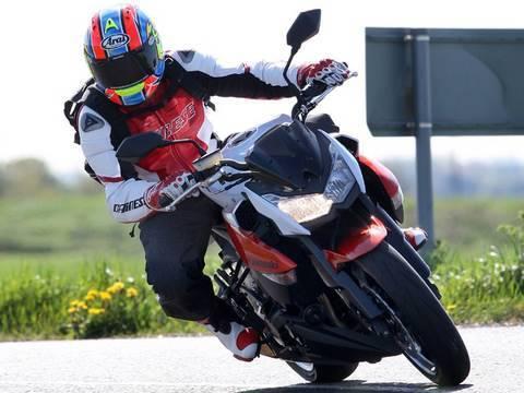 2010 Kawasaki Z1000 review - YouTube